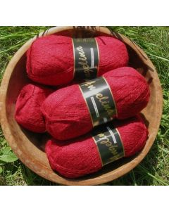 pelote de 100 g Angelina de Lammy coloris 943 rouge foncé avec lurex