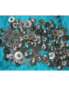 destockage - lot de 120 boutons en vrac métal argenté 15 à 25 mm